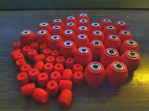 Luftgefüllte und kugelgelagerte Laufrollen für eine Saugroboter-Serie eines bekannten Herstellers. Über 400 Rollen wurden bereits verkauft, mit allerhöchster Kundenzufriedenheit. Ein Teil, welches uns bestätigt, dass es immer irgendwo etwas zu optimieren gibt