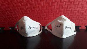 Mund-Nasenschutz, individuell bedruckt. In diesem Fall für ein Brautpaar.